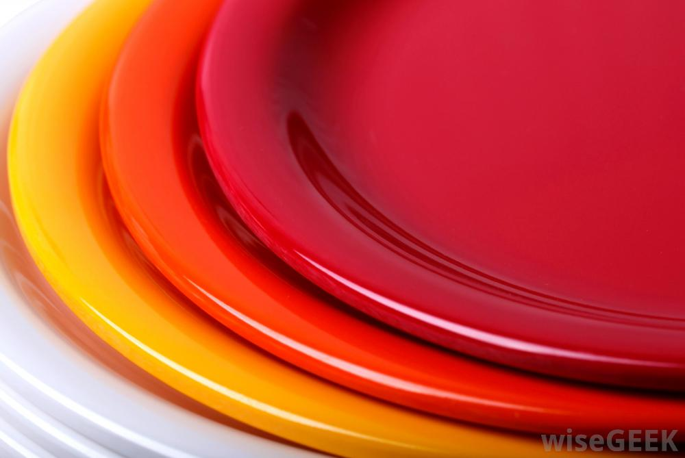 What is Melamine? (with pictures) & Melamine Plastic Plates. Melange 12-Piece Melamine Dinnerware Set ...